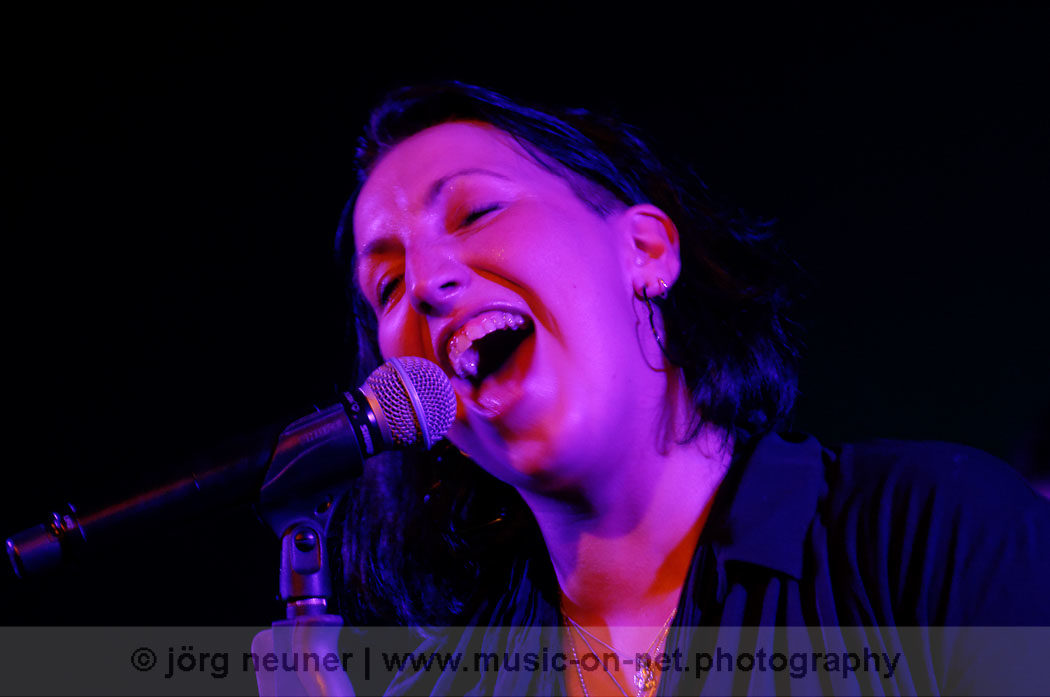 Jessy Martens & Band -18.10.2014 - Blues Club Baden-Baden © Joerg Neuner